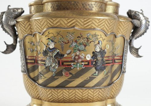 Exceptional Incense Burner in Gold and Shibayama Design - Asian Art & Antiques Style