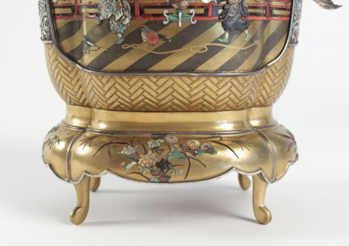 Asian Art & Antiques  - Exceptional Incense Burner in Gold and Shibayama Design