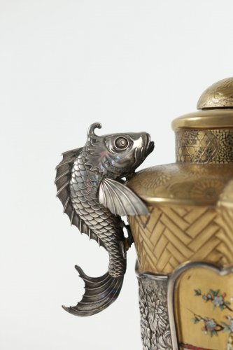 19th century - Exceptional Incense Burner in Gold and Shibayama Design