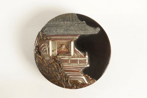 Antiquités - A Lacquer Kogo with a Decor of a Pavilion on a Rock