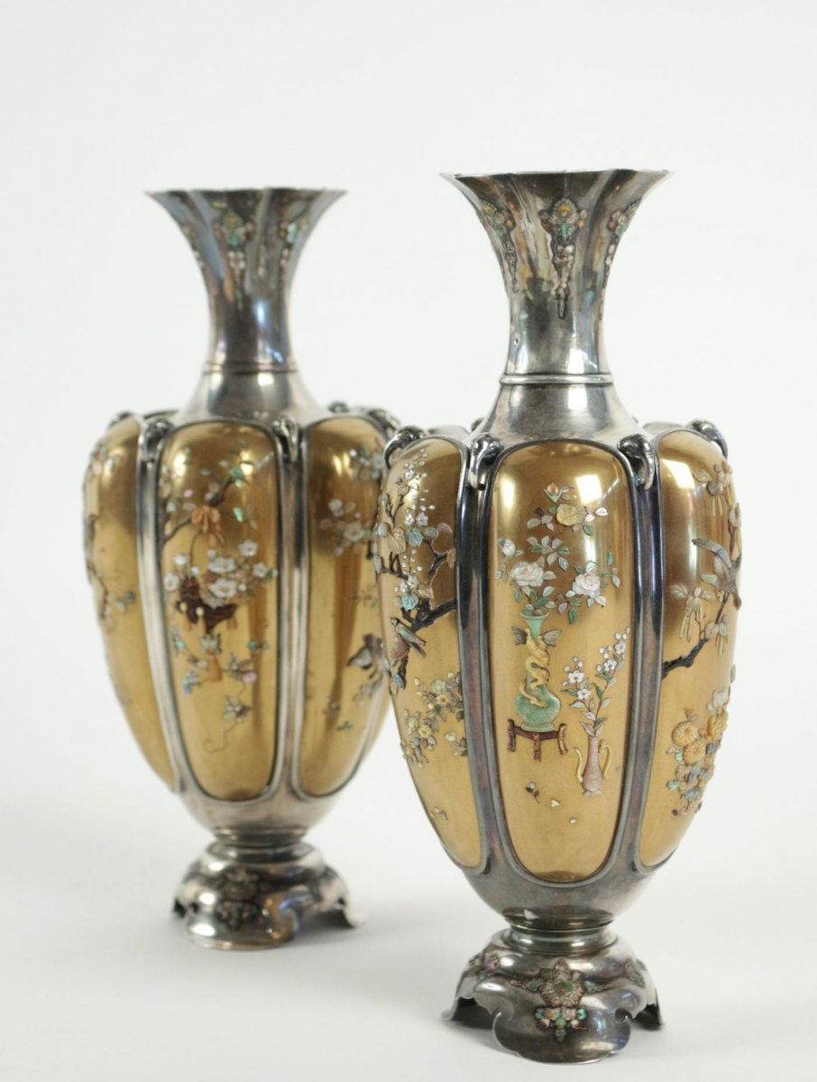 Rare pair of silver vases in shibayama inlaid by masatsugu ref64379 asian art antiques rare pair of silver vases in shibayama inlaid by masatsugu reviewsmspy