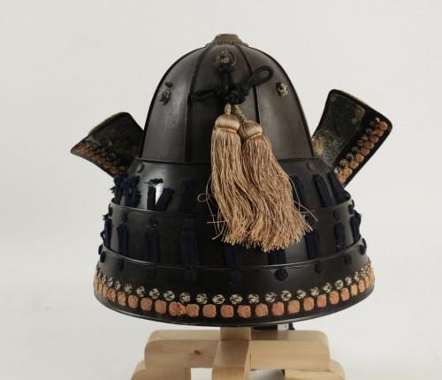 19th century - An Iron 8-Plate Suji Kabuto