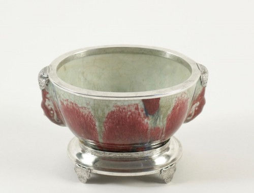 Chinese Cup in sandstone and Flamed Enamels on a silver stand - Asian Art & Antiques Style