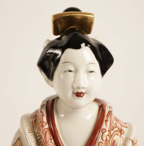 Two Japanese Bijin in Imari Enamels Porcelain - Asian Art & Antiques Style