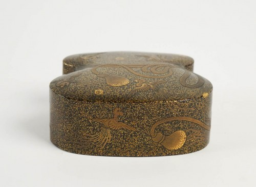 Japanese Covered Gold Lacquered Box - Asian Art & Antiques Style