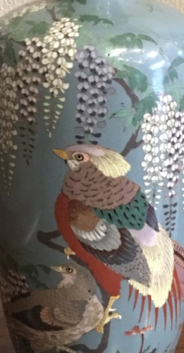 Cloisonne vase with peacock decoration - Asian Art & Antiques Style