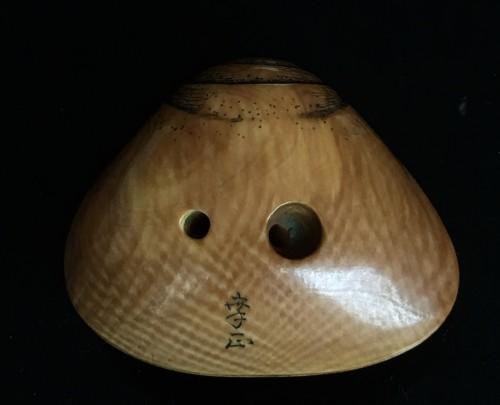 - Netsuke Shape of a Shell - Shunga