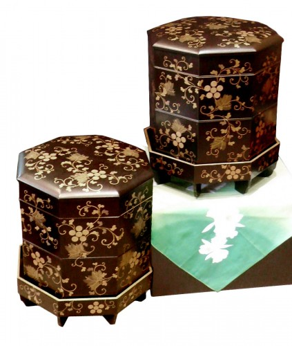 Pair of Kaï Oke Boxes for the Game of Shells
