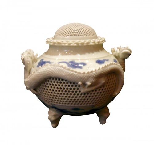 Brûle-parfum à décor de dragons - Fours d'Hirado