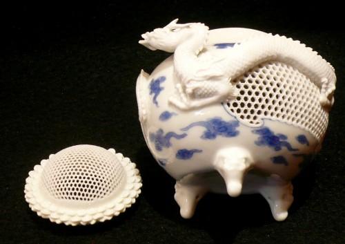19th century - Brûle-parfum à décor de dragons - Fours d'Hirado