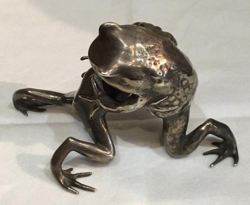 19th century - Rare Silver Frog Fight - Oshima Joun