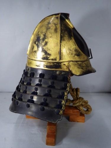 Antiquités - Lacquered Iron Kabuto Momonari Shape