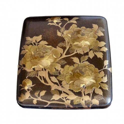 Lacquered Writing Box (Suzuri Bako) with Peonies Design