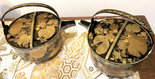 Rare Pair of Lacquered Iron Matching Sake Ewers, japan cirac 1920 - Asian Art & Antiques Style