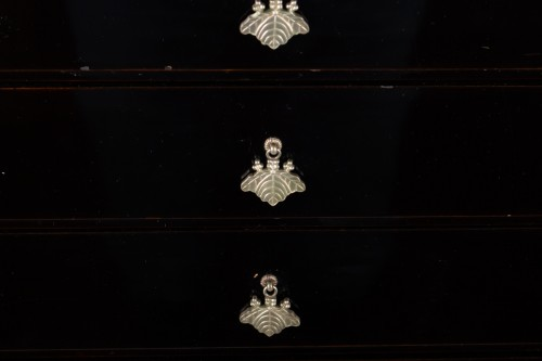 Small Chest with Imperial Coat of Arms - Asian Art & Antiques Style