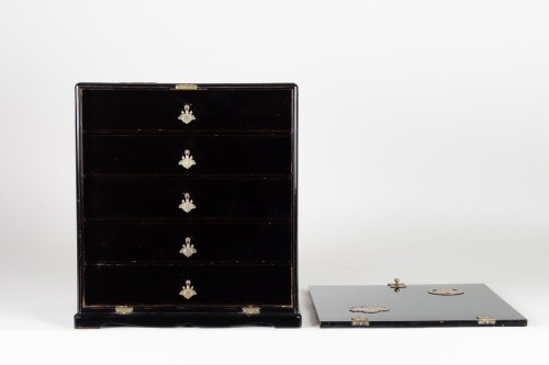 19th century - Small Chest with Imperial Coat of Arms