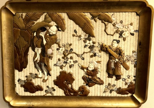 Large Lacquered Panel. Ivory, Mother-of-Pearl, Tortoiseshell and Horn - Asian Art & Antiques Style
