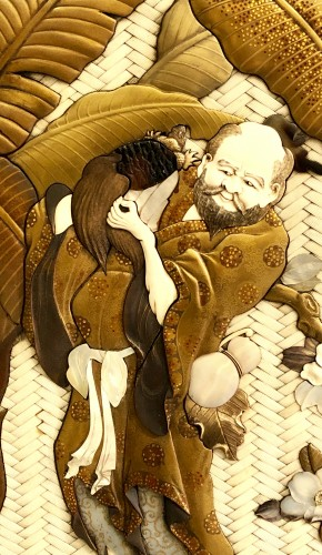 19th century - Large Lacquered Panel. Ivory, Mother-of-Pearl, Tortoiseshell and Horn