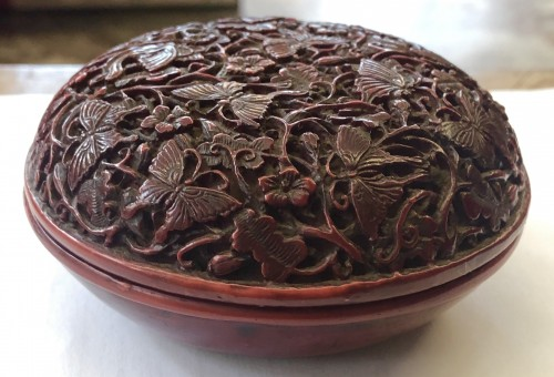 19th century - Incense Box (Kogo) in Red Lacquer