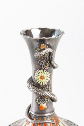 A Small Baluster Shape Silver Vase by Mitsu Shige - Asian Art & Antiques Style