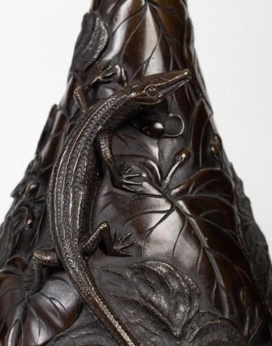 Pair of Japanese Lizards Bronze Vases -