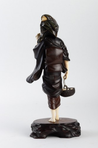 Asian Art & Antiques  - A Bronze and Ivory figure of Shell Gatherer - Hidemitsu
