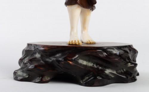 Antiquités - A Bronze and Ivory figure of Shell Gatherer - Hidemitsu
