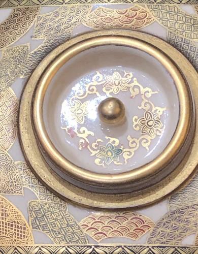 Satsuma Earthenware tea Box Meiji Period 19th century - Asian Works of Art Style
