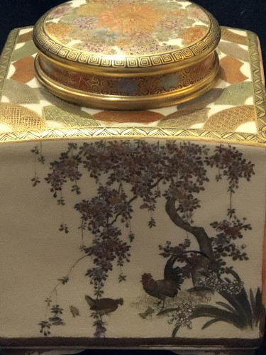 19th century - Satsuma Earthenware tea Box Meiji Period 19th century