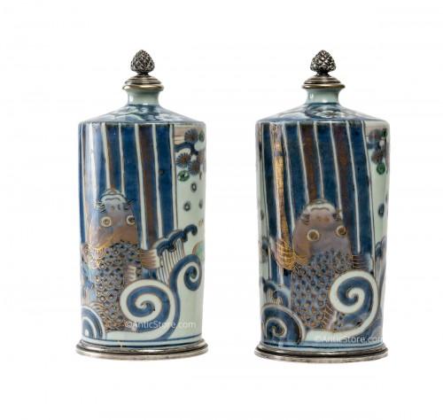 Pair of Tokkuri (sake flask)