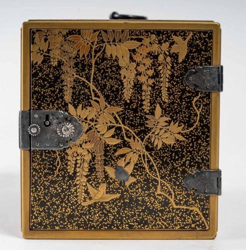 Ko-dansu (petit cabinet) en laque or - Asian Works of Art Style