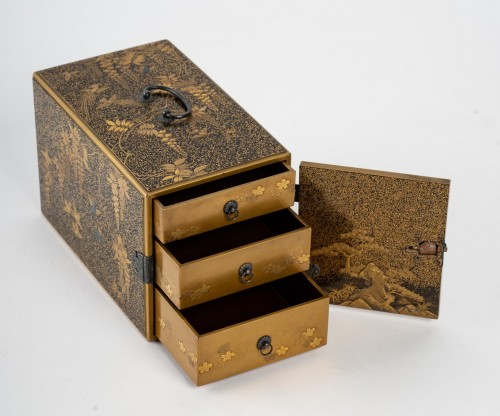 19th century - Ko-dansu (petit cabinet) en laque or