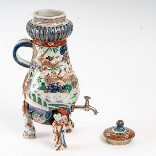 Tripod Porcelain Fountain 18/19th century - Asian Works of Art Style