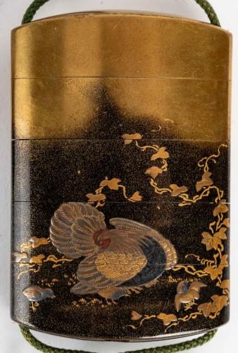 Asian Works of Art  - 4-Case Inro with boxwood netsuke signed - Kajikawa + Okatomo