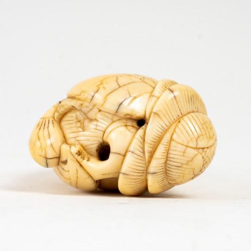 """Chinese Toggle """"Bouddha's Hand"""" -"""