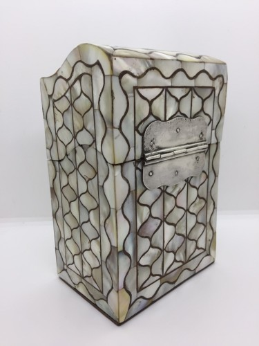 Objects of Vertu  - A Peruvian or Mexican mother-of-pearl casket