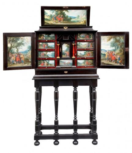 Antwerp Cabinet