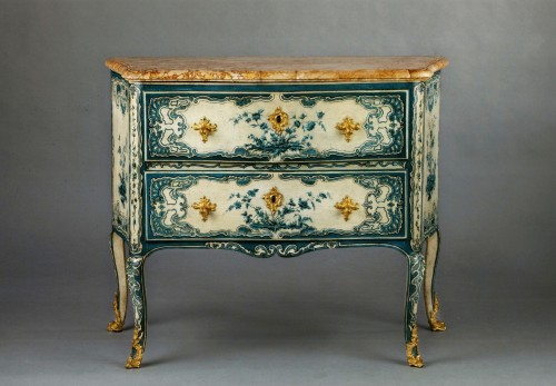 A blue and white painted piedmontese commode, Piedmont ca. 1750 - Furniture Style French Regence