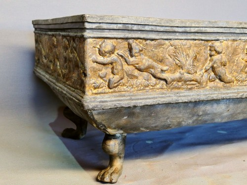 An english gilted lead planter, 19th century -