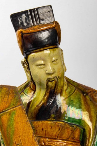 A large standing earthenware figure of a Taoïst Judge, Ming Dynasty - Asian Works of Art Style