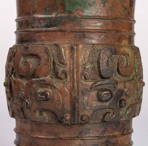 A Zun bronze vase, Dynasty Song/Ming - Asian Works of Art Style