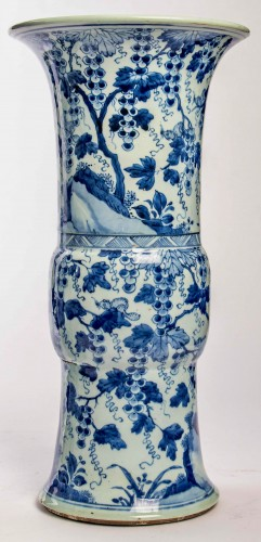 Asian Works of Art  - A Near pair of blue white large vases with squirrels, Kangxi period