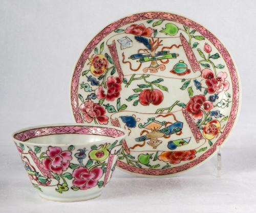 6 Famille rose half-eggshell cups and saucers, Yongzheng period - Asian Works of Art Style