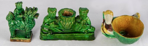 3 green and yellow biscuit incense holders, Kangxi period - Asian Works of Art Style