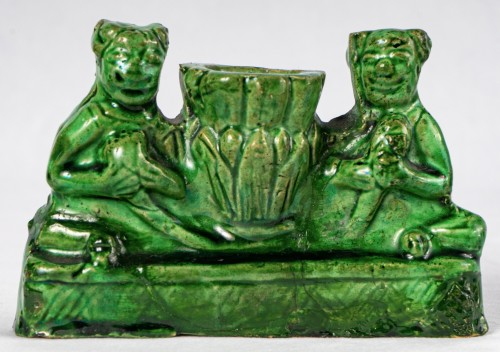 Antiquités - 3 green and yellow biscuit incense holders, Kangxi period