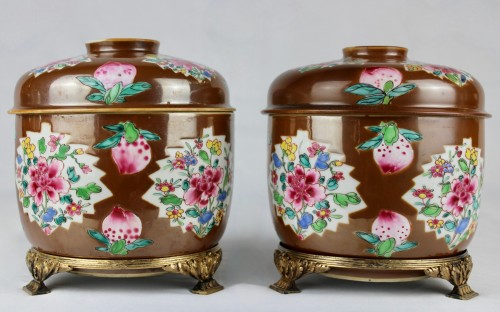 - A pair of large Batavian Famille rose covered pots, 18th century
