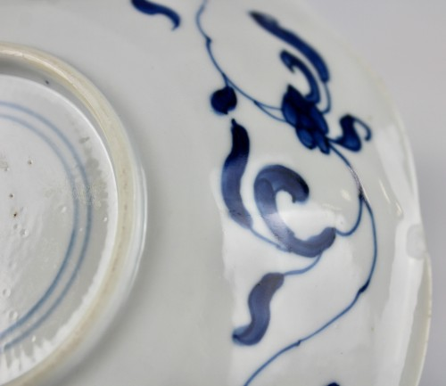 Antiquités - A pair of blue and white Long Elisas saucer dishes, Kangxi period