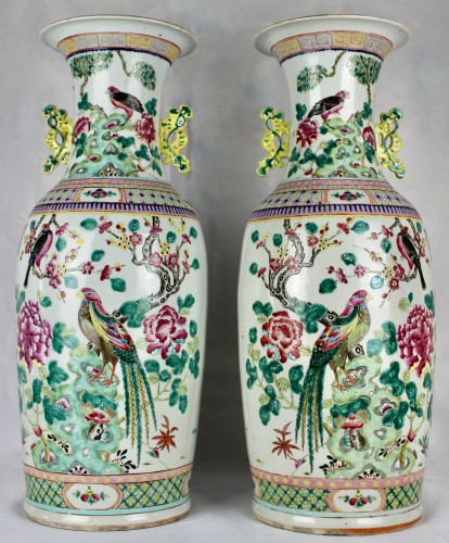 Asian Works of Art  - A Pair of large Chinese Famille rose vases with couples of birds, 19th cent