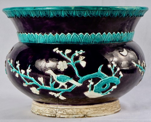 A Large Vase In The Shape Of A Spittoon In Fa-hua Enamels, 19th Century - Asian Works of Art Style
