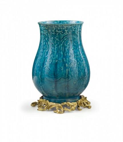 An ormolou mounted turquoise porcelain vase , China 19th Century - Asian Art & Antiques Style Napoléon III
